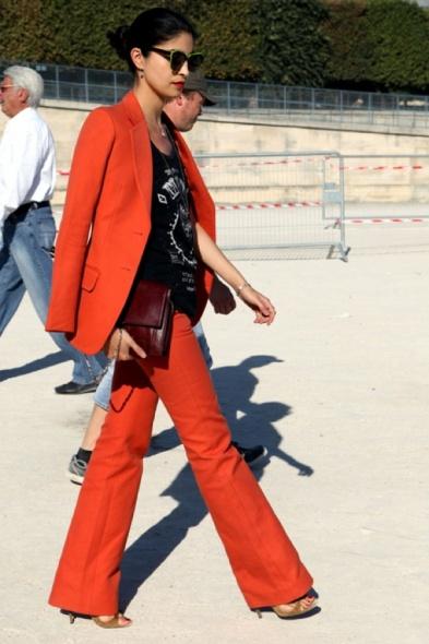 RED-PANTS-TOP-LIPS-CAROLINE-ISSA-FASHION-WEEK-VOGUE-ITALIA-STREET-STYLE-1
