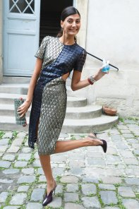 Giovanna-Battaglia-kicked-up-her-heels-while-making-rounds
